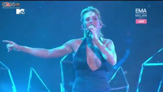 Love Me Like You Do (MTV Europe Music Awards - EMA 2015) - Ellie Goulding