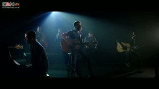 Hold The Light - Dierks Bentley; S. Carey