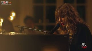 New Year's Day (Live) - Taylor Swift