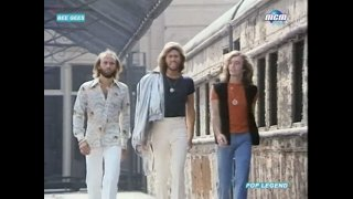 Stayin' Alive - Bee Gees