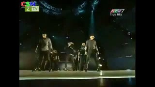 Ai Đó Đêm Nay (Get On The Floor) (Live) - 365daband